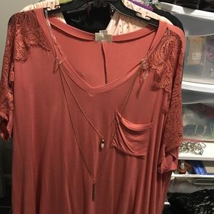 NWT Women's 3x top w/double necklace lace sleeves